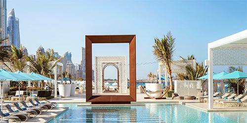 Dubai luxury hotel pool