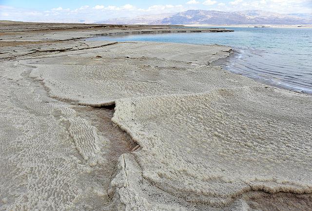 Halite deposits along the western Dead Sea coast. Photo by Wilson44691.