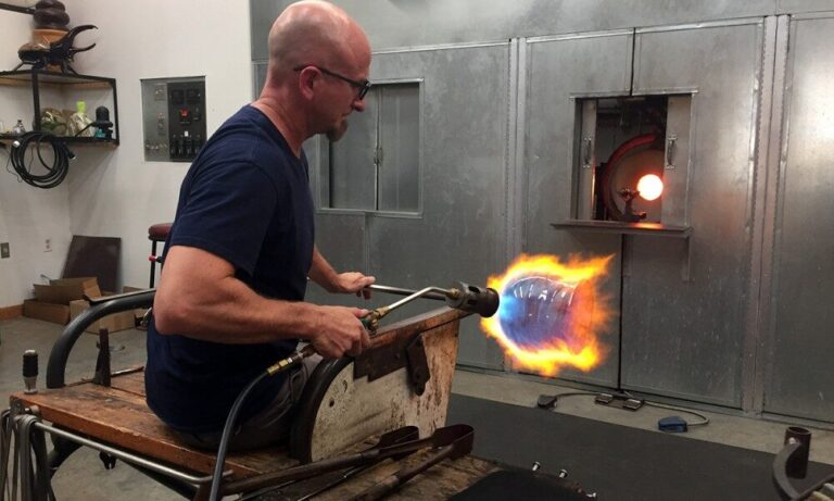 one-eared-cow-vista-glass-blowing-1000x600-3983784