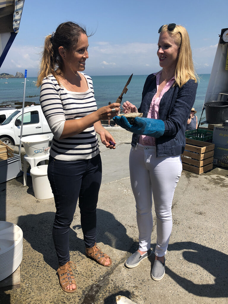 Darley discovers very big oysters in Cancale France