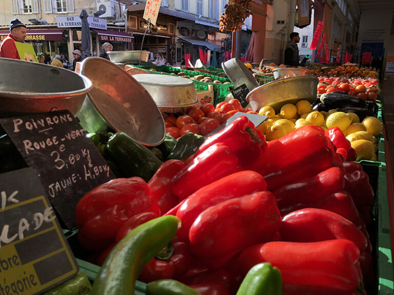 Produce at the Cannes farm market