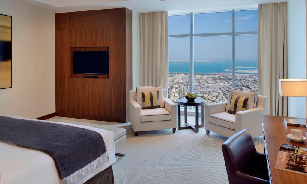 Dubai downtown luxury hotel with sea views