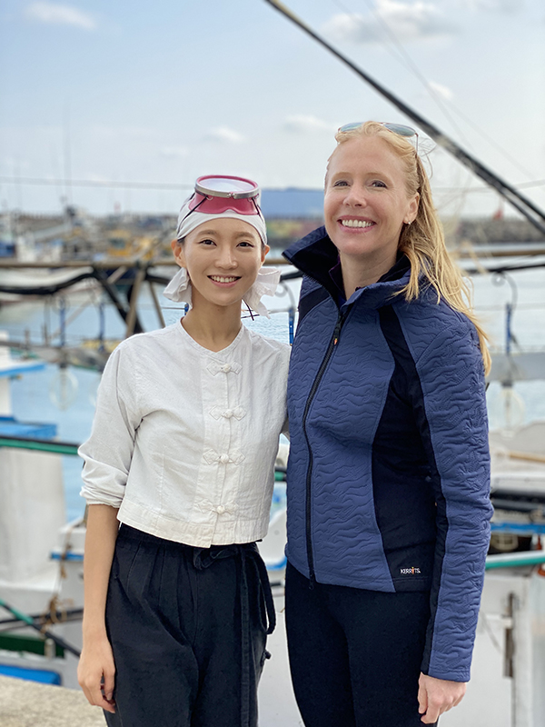 Darley meets one of the women of Haenyeo Kitchen