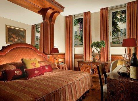Hotel in Rome Near Piazza Navona