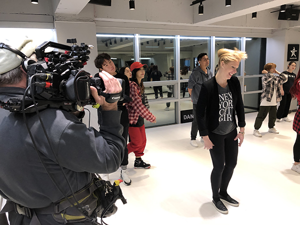 Darley takes a k-pop dance lesson in Seoul